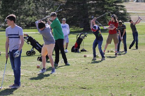 Farden and Spring Golfers Prepare for Conference Tournament