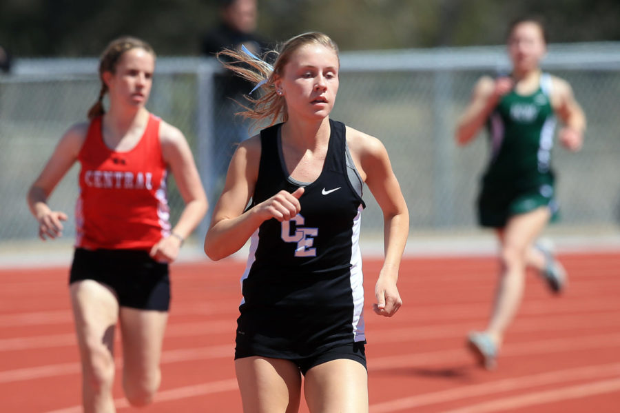 Cheyenne+East%27s+Mackenzie+Marler+competes+in+the+1%2C600-meter+run+during+the+Okie+Blanchard+Invitational+on+Thursday%2C+April+12%2C+2018%2C+at+the+Okie+Blanchard+Sports+Complex.+Blaine+McCartney%2FWyoming+Tribune+Eagle